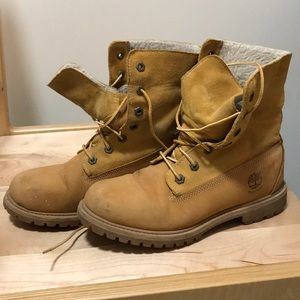 Timberland boots w/ fleece interior